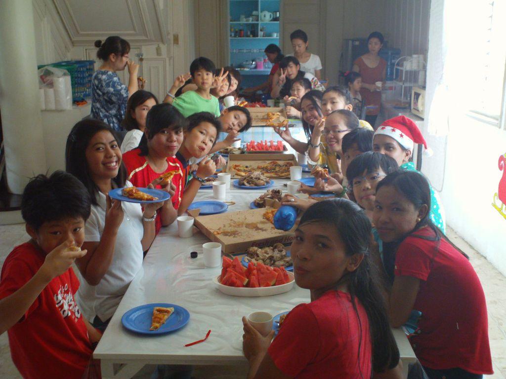 20141224_크리스마스 기념 프레젠테이션을 끝내고 핏자 치킨 파티를 가졌어요.JPG
